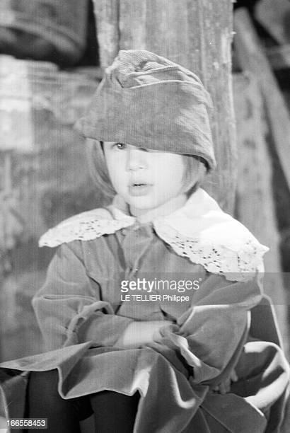 Movie 'Gigot' By Gene Kelly With Diane Gardner 1961 tournage du film 'Gigot' réalisé par Gene KELLY avec l'actrice Diane GARDNER dans le rôle de...