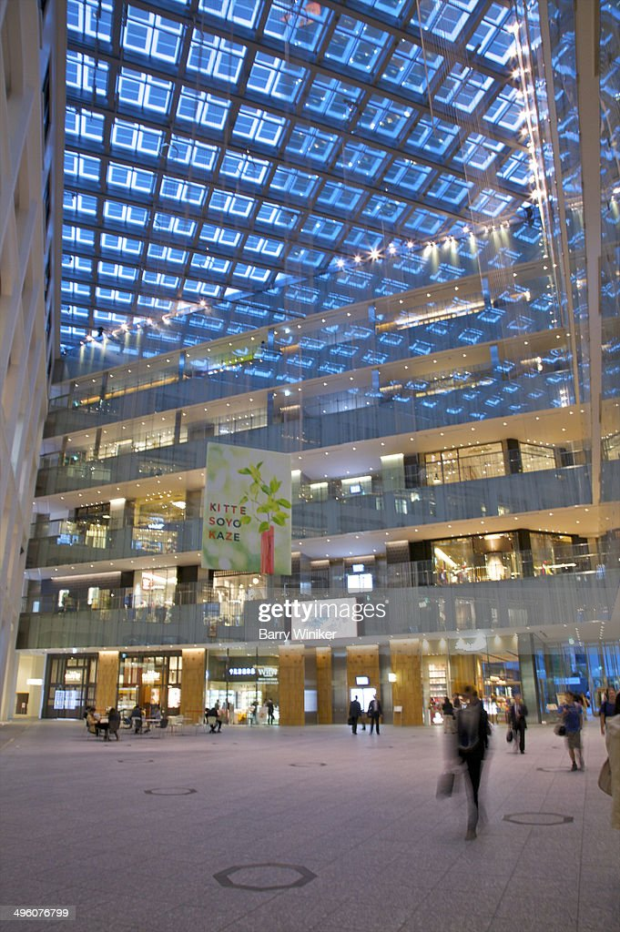 Moving people in office tower atrium