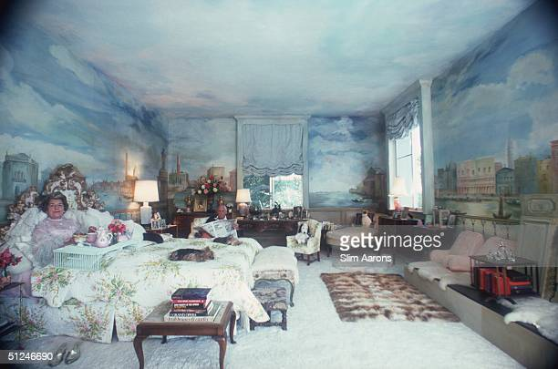 1976 Mr and Mrs Alexander Saunderson in the bedroom of their home in Montecito an opulent residential enclave of Santa Barbara California USA Mrs...