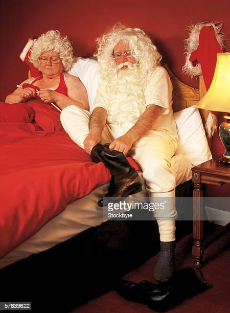 Mr.. and Mrs.. clause in bed