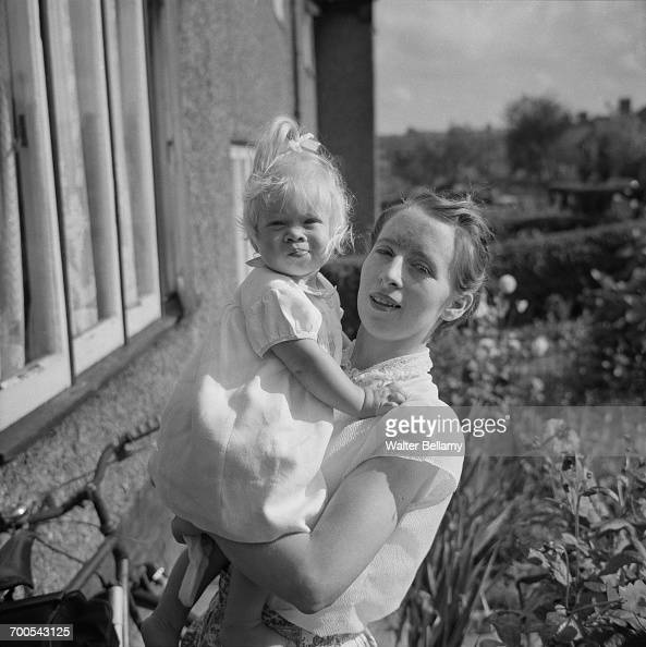 Mrs Harris with her daughter UK 26th September 1960 They are being evicted from their home