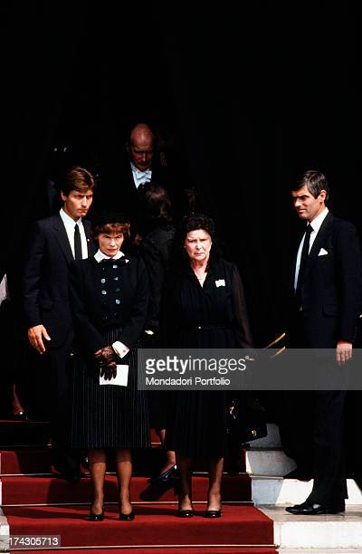 Mrs Mitterrand Danielle Gouze goes down the stairs of the Cathedral of Monaco after the celebration of the funeral of Princess Grace Montecarlo...