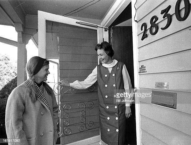 JAN 4 1965 JAN 9 1966 Mrs Peter D Bowes right head of tickets and invitations for Junior League's Metropolitan Ball Feb 12 Welcomes her cochairman...