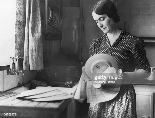 Mrs Yvonne De Gaulle In Her Kitchen In London In 1942