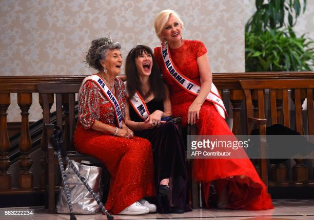 Ms Minnesota Liz Johnson Ms Oregon Dianne Hennacy Powell and Ms Alabama Rita Young Allen talk before the finals of the 38th Annual National MsSenior...