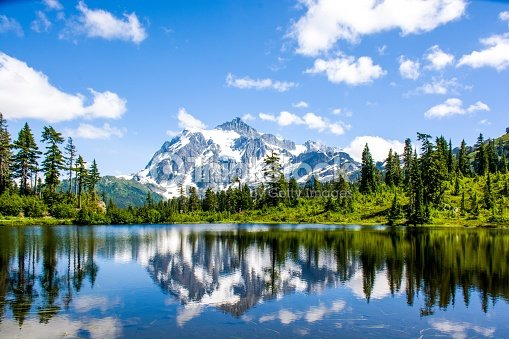 Mt. Shuksan reflected in Picture lake at North Cascades National Park, Washington, USA : Stock Photo