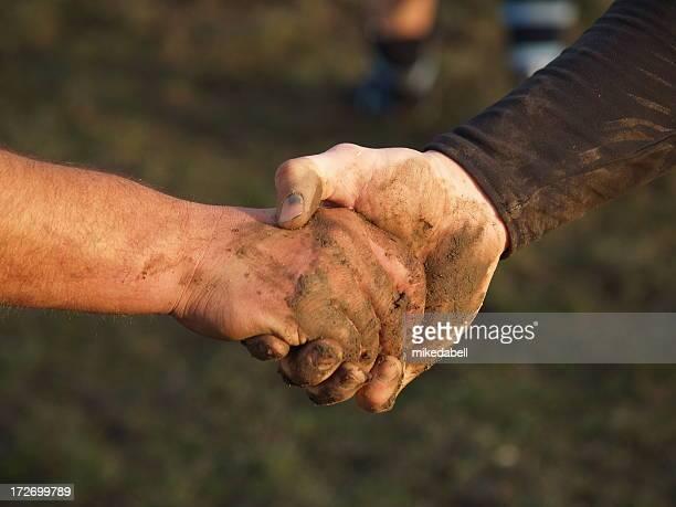 Muddy hand schütteln