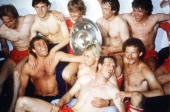 Muenchen BAYERN MUENCHEN BORUSSIA MOENCHENGLADBACH 60/BAYERN DEUTSCHER FUSSBALLMEISTER 1986 Schluss Jubel Bayern Muenchen hintere Reihe vlks Hansi...