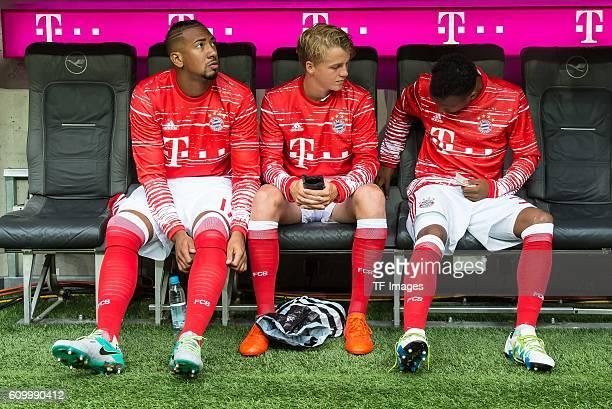 Muenchen Deutschland Bundesliga 3 Spieltag FC Bayern Muenchen FC Ingolstadt 04 vl Jerome Boateng Felix Goetze Julian Green