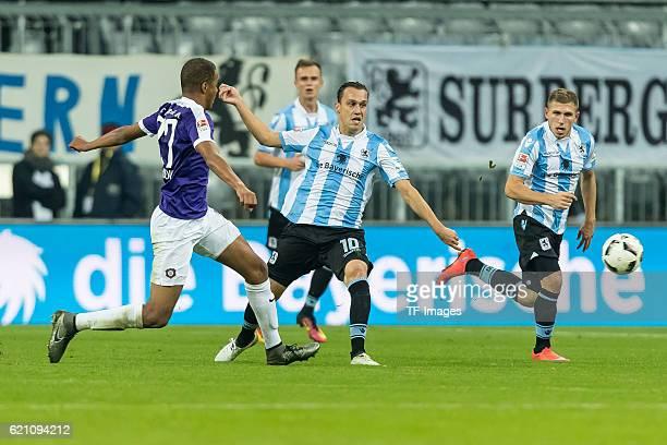 Muenchen Deutschland 2 Bundesliga 11 Spieltag TSV 1860 Muenchen FC Erzgebirge Aue Louis Samson gegen Michael Liendl