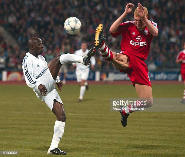 LEAGUE 01/02 Muenchen FC BAYERN MUENCHEN REAL MADRID MAKELELE/Real Stefan EFFENBERG/Bayern