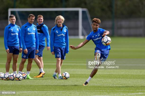 Muhamed Besic Phil Jagielka James McCarthy Tom Davies and Mason Holgate during the Everton FC training session at USM Finch Farm on August 10 2017 in...