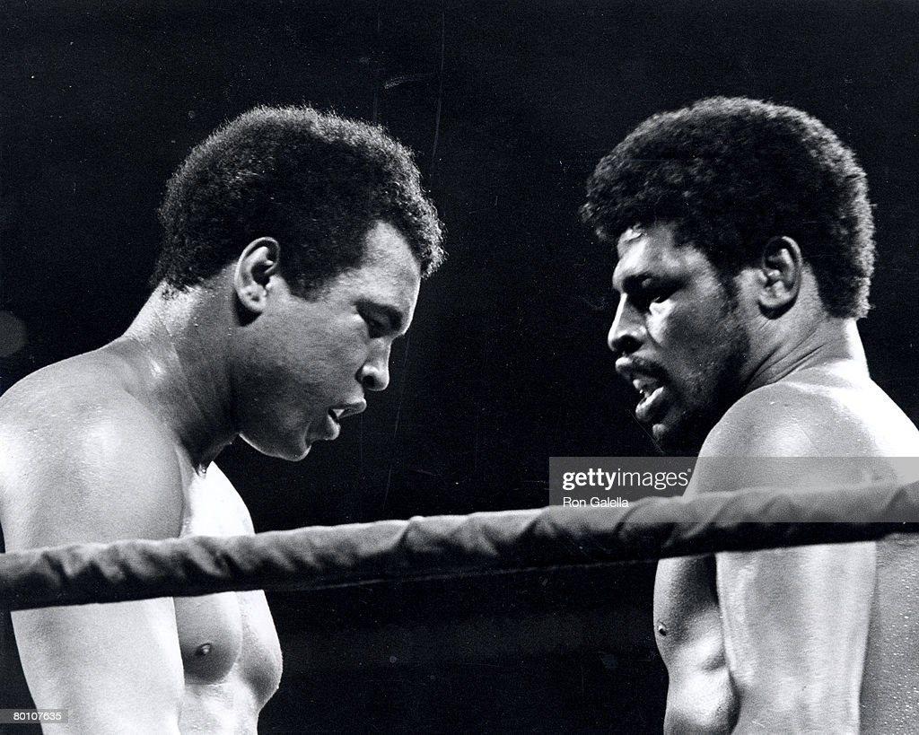 http://media.gettyimages.com/photos/muhammad-ali-and-leon-spinks-picture-id80107635