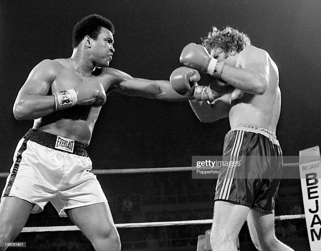 <a gi-track='captionPersonalityLinkClicked' href=/galleries/search?phrase=Muhammad+Ali+-+Boxer+-+Born+1942&family=editorial&specificpeople=93853 ng-click='$event.stopPropagation()'>Muhammad Ali</a> of the United States (left) in action during his heavyweight title fight against <a gi-track='captionPersonalityLinkClicked' href=/galleries/search?phrase=Joe+Bugner&family=editorial&specificpeople=239003 ng-click='$event.stopPropagation()'>Joe Bugner</a> of Great Britain at the Las Vegas Convention Center in Las Vegas, 14th February 1973. <a gi-track='captionPersonalityLinkClicked' href=/galleries/search?phrase=Muhammad+Ali+-+Boxer+-+Born+1942&family=editorial&specificpeople=93853 ng-click='$event.stopPropagation()'>Muhammad Ali</a> won on points.