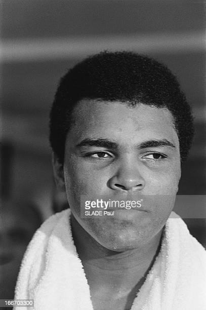 Muhammad Ali Prepares His Fight Against The World Champion Joe Frazier Muhammad ALI prépare à 29 ans son combat contre le champion du monde Joe...