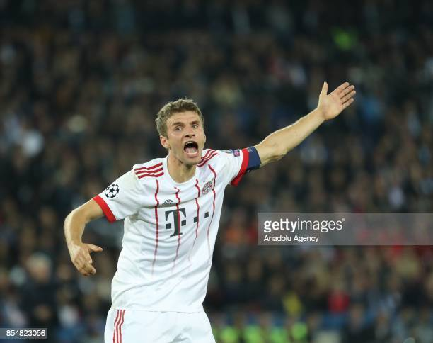 Muller of Bayern Munich reacts during the UEFA Champions League Group B match between Paris SaintGermain and Bayern Munich at Parc des Princes...