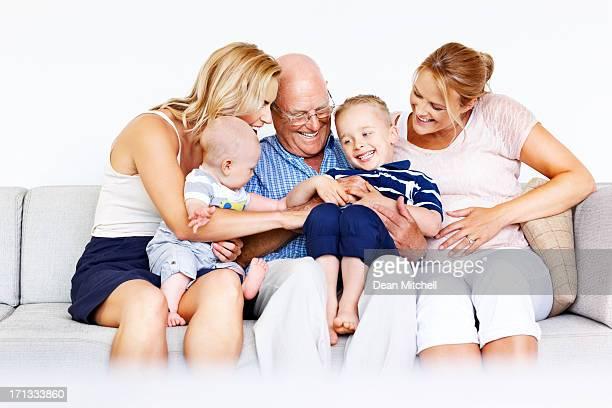Multi-Generationen-Familie Spaß zu Hause