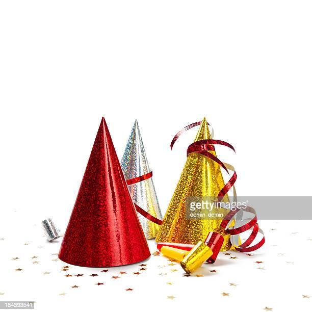 Bunte Party Hüte isoliert auf weißem Hintergrund, studio-Aufnahme