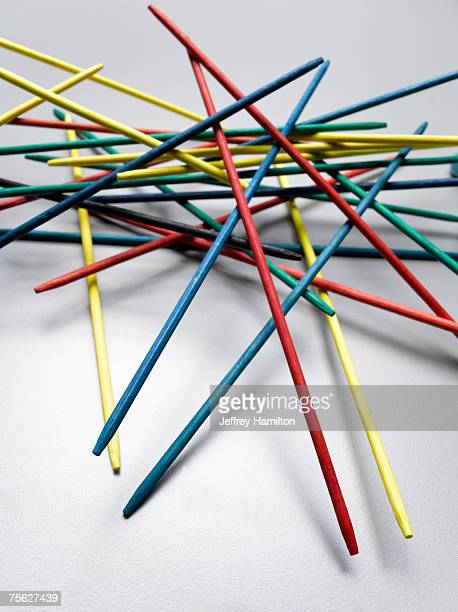 Multicoloured pick-up sticks