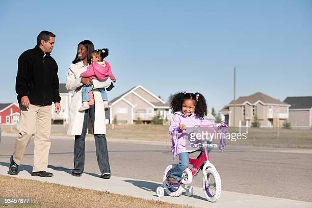 Multi-etnico famiglia