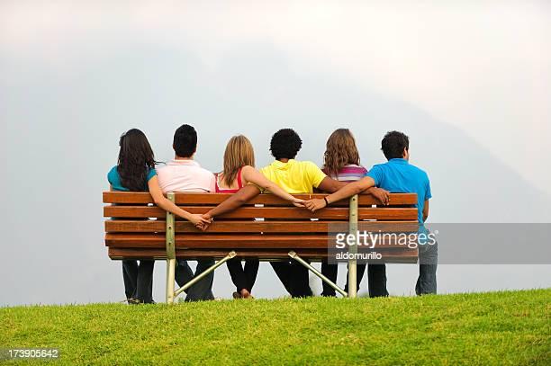 Groupe Multi-ethnique d'amis