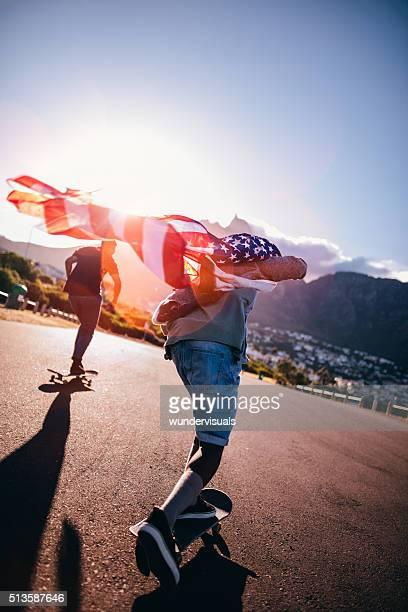Multi-ethnischen eine Gruppe von Skater-Skateboard-Street in Seasi