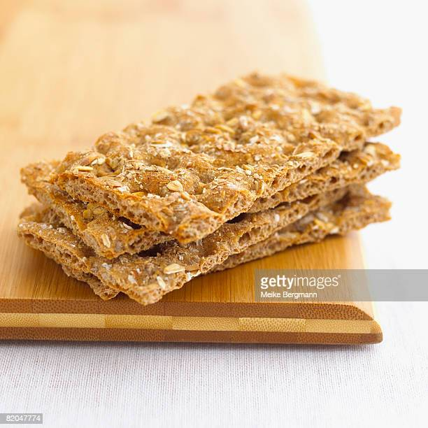 Multi-grain crispbread