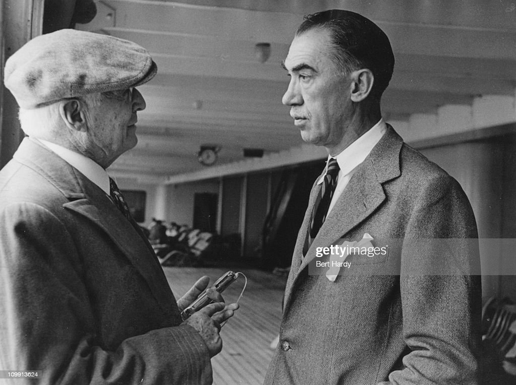 Multi-millionaire <a gi-track='captionPersonalityLinkClicked' href=/galleries/search?phrase=Bernard+Baruch&family=editorial&specificpeople=215235 ng-click='$event.stopPropagation()'>Bernard Baruch</a> and American dramatist and journalist Robert Sherwood (1896 - 1955), 31st July 1948.