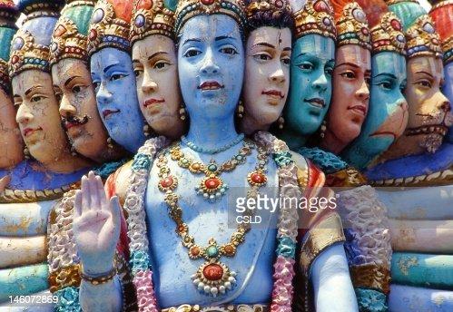 Plusieurs visage de statue, temple hindou, Singapour : Photo