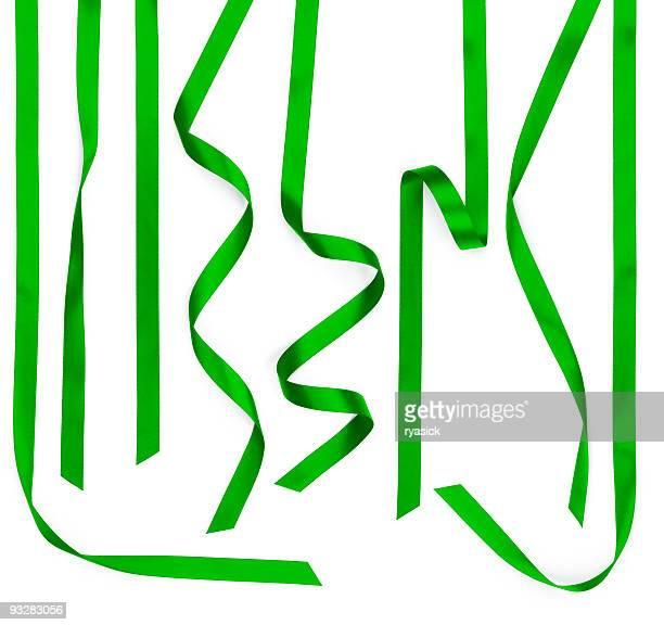 複数のグリーンのサテンリボンストリップ白で分離