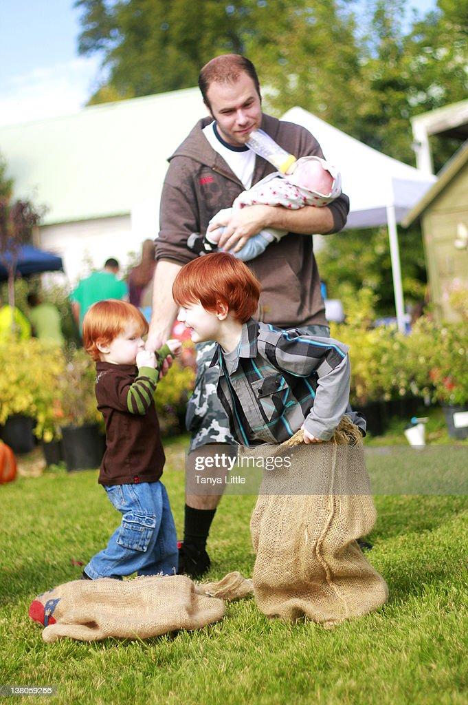Multitasking Dad : Stock Photo