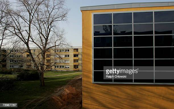 A multiunit building from the 1970s transformed into a zeroheating cost house is pictured on April 03 2007 in Pfingstweide Ludwigshafen By using...