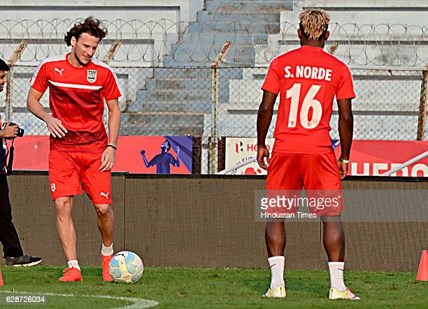 Mumbai City FC player Diego Forlan and Sony Norde practice before the Atletico de Kolkata match at Rabindra Sarobar Stadium on December 9 2016 in...