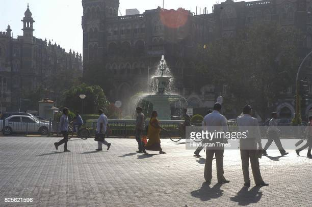 Mumbai Flora Fountain Fort Area Traffic Police