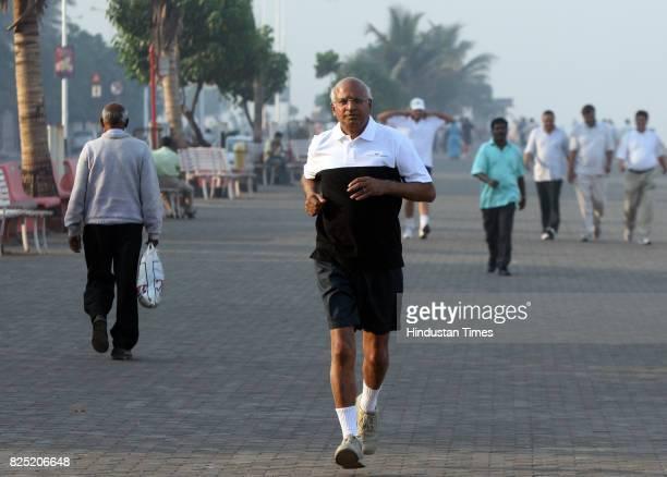 Mumbai Marathon S Ramadorai CEO Md TCS at worli seaface practising for mumbai marathon