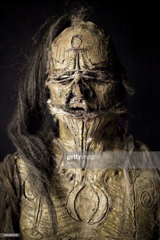 OFF -- 'Mummy Mahem' Episode 409 -- Pictured: makeup by David 'House' Greathouse --