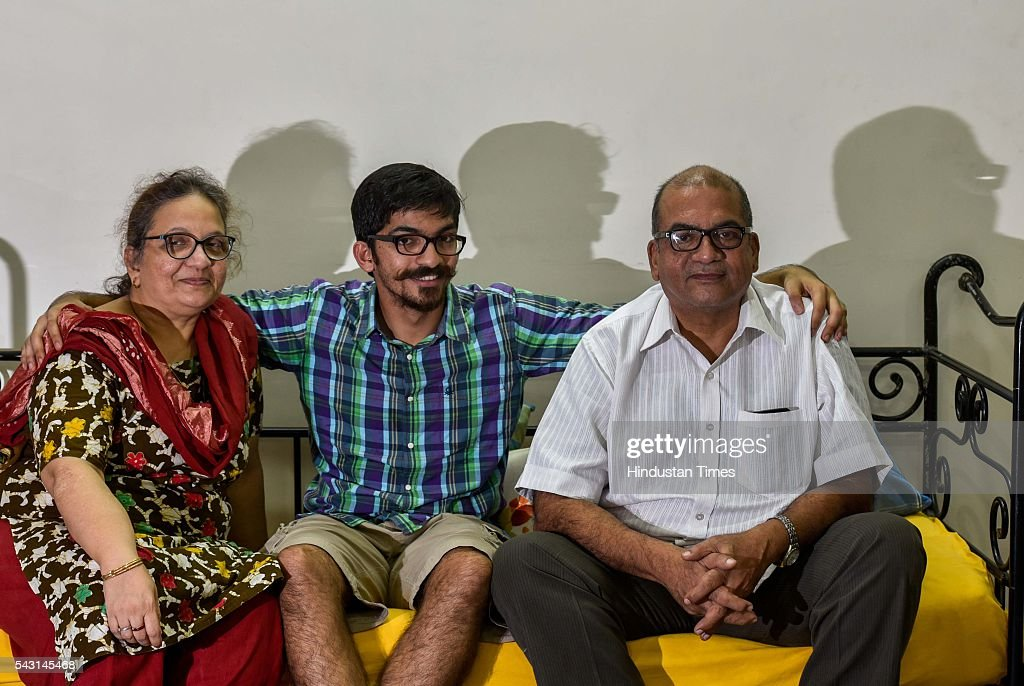 Munaf Kapadia with his mother Nafisa and father, owner of The Bohri Kitchen (TBK), during an exclusive interview with ht48hours-Hindustan Times, at their Colaba home, on June 7, 2016 in Mumbai, India.