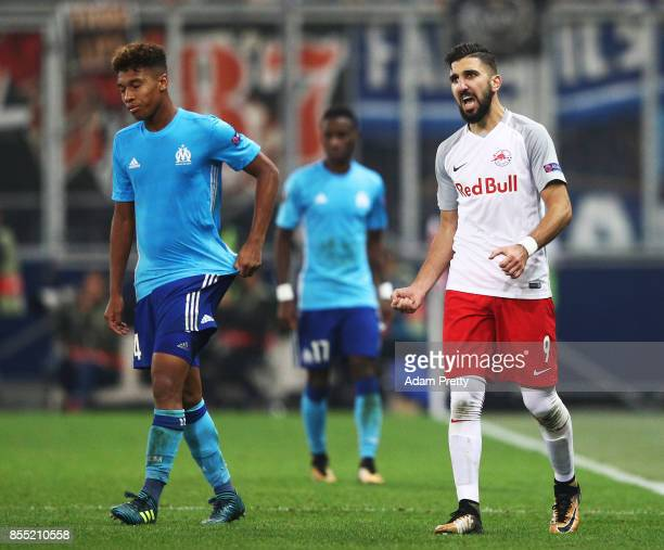 Munas Dabbur of Red Bull Salzburg celebrates victory after the UEFA Europa League group I match between RB Salzburg and Olympique Marseille at Red...