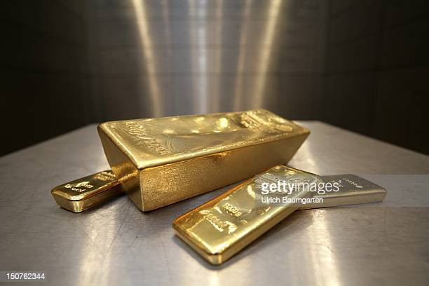 GERMANY Munich pro aurum gold house Munich 125 Kg 1000g and 500g gold bullion in the vault