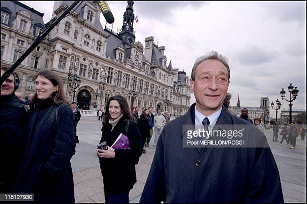 Municipal election Bertrand Delanoe the day after his victory in Paris France on March 19 2001 The new mayor of Paris arrives on the Place de l'Hotel...