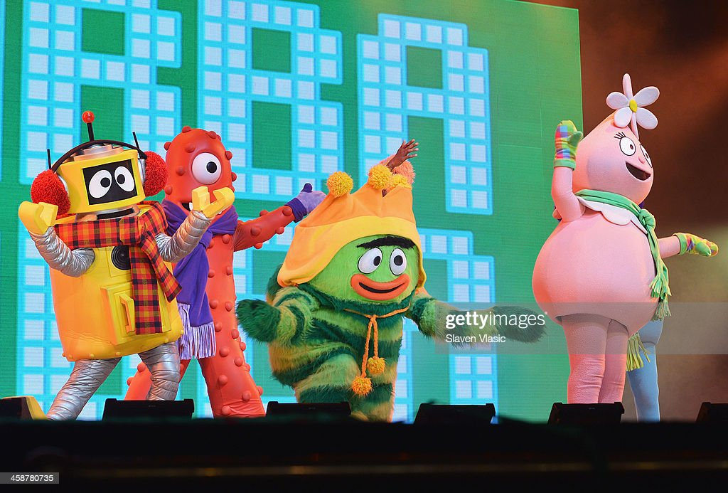 Muno, Foofa, Brobee, Toodee and Plex perform at 'Yo Gabba Gabba! Live!' at The Beacon Theatre on December 21, 2013 in New York City.