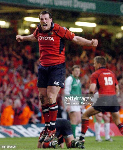 Munster's Ian Dowling celebrates his team's victory over Biarritz in the Heineken Cup final at the Millennium Stadium Cardiff