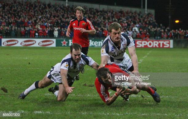 Munster's Ian Dowling scores a try against Sale during the Heineken Cup Pool One match at Thomond Park Stadium Limerick