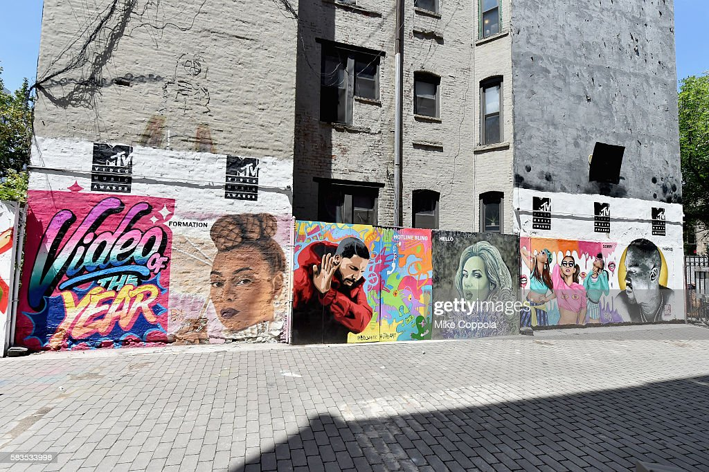 A mural is unveiled announcing the 2016 MTV Video Music Awards nominations in First Street Green Art Park on July 25, 2016 in New York City.
