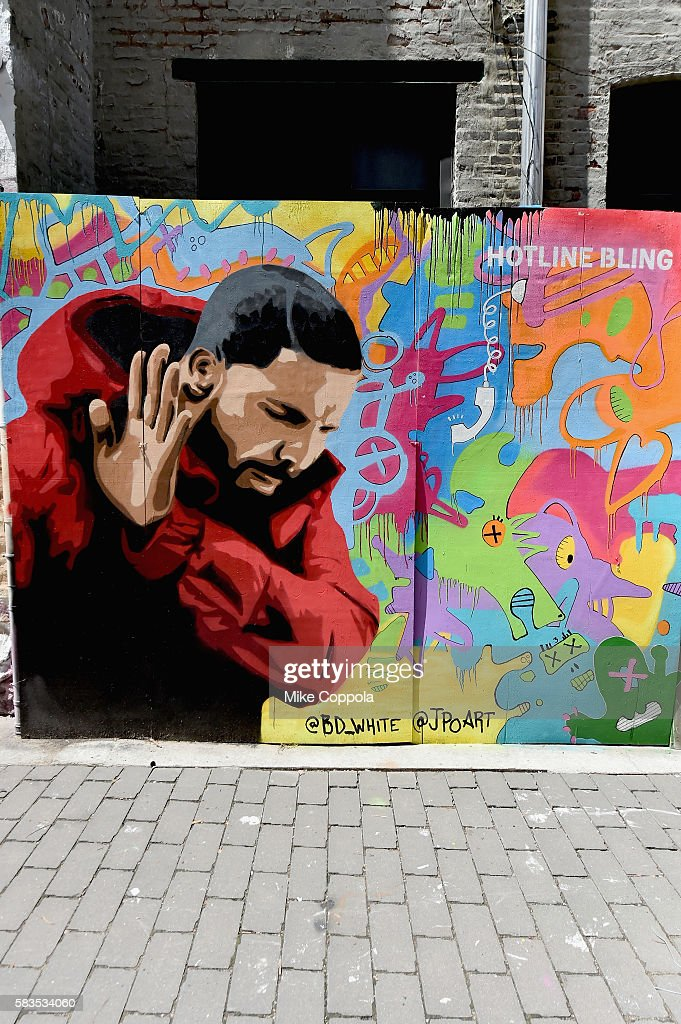 A mural is unveiled announcing the 2016 MTV Video Music Awards nominations in First Street Green Art Park on July 25, 2016 in New York City. Drake-Hotline Bling.