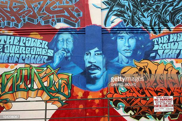 Haight ashbury photos et images de collection getty images for Bob marley mural san francisco