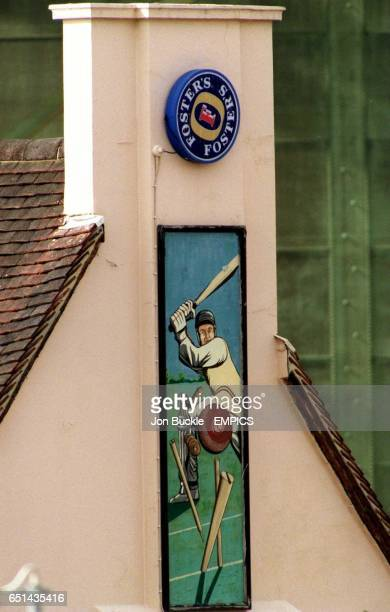 A mural on the wall of The Cricketers pub by The Oval ground