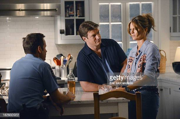 CASTLE 'Murder He Wrote' Castle and Beckett's plans for a romantic weekend in the Hamptons are interrupted when a dying man stumbles into Castle's...