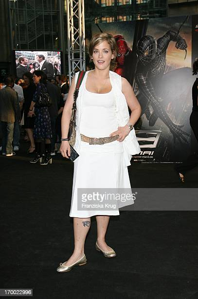 Muriel Baumeister With The Arrival To In Premiere At Berlin 250407 'Spider Man 3'