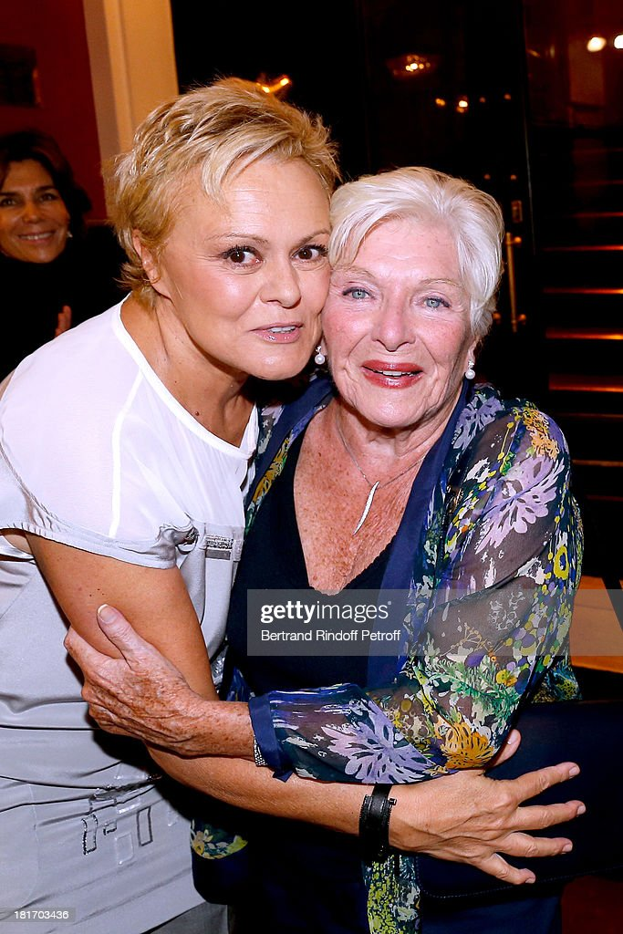 Muriel Robin and Line Renaud attend Muriel Robin show 'Robin revient 'Tsoin Tsoin'' Premiere at Porte SaintMartin Theater in Paris on September 23...
